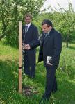 _5DR5553_zahrada_-ing-Kroutil-u-stromku-